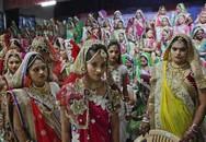 Đại gia kim cương tổ chức đám cưới tập thể cho hàng trăm cô dâu mồ côi cha