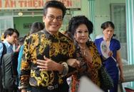 Vợ chồng Thanh Bạch đi từ thiện sau đám cưới lần thứ 8