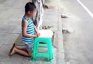 Mẹ hổ đánh đập, bắt con quỳ gối làm bài giữa đường gây tranh cãi mạng xã hội