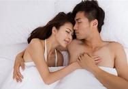 Đàn ông nên học cách ôm vợ khi ngủ