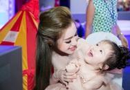 Phát sốt con gái Elly Trần gây chú ý khi dự sự kiện cùng mẹ