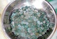 Đào đất, phát hiện hũ sành chứa hàng yến đồng xu tiền cổ quý giá