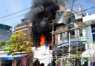 Làm cháy cửa hàng tiền tỷ của hàng xóm khi sửa nhà