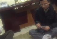 """Sẽ """"xử lý nghiêm"""" người quay clip trưởng công an đánh bạc tại trụ sở"""