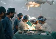 Lấy thành công khối u 700g trong lồng ngực chèn ép tim, đường thở và mạch máu