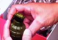 Phát hiện một vật giống lựu đạn được gửi lên máy bay