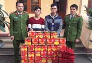 Hai thanh niên mang 1 tạ pháo về Nông trường Mộc Châu bán lẻ