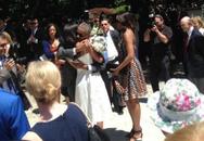 Sợ người khác biết mình khóc, Tổng thống Obama đeo kính đen trong lễ tốt nghiệp của con gái