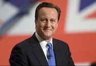 """Cựu Thủ tướng Anh David Cameron cho con học trường """"bình dân"""" và đi bộ đón con tan học"""
