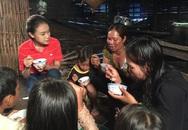 Thí sinh Hoa hậu Việt Nam nghẹn ngào trên sóng truyền hình