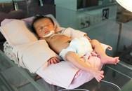 Bé sơ sinh chưa cắt rốn bị bỏ rơi trong bệnh viện