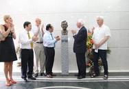 Khánh thành tượng cố Thủ tướng Thụy Điển Olof Palme tại Bệnh viện Nhi Trung ương