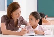 Những tư thế trẻ ngồi học phải sửa ngay nếu không muốn vẹo cột sống