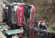 Xe chở xăng dầu đâm xe khách, ít nhất 3 người đã chết