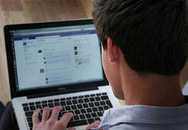 Bình luận, chia sẻ bài viết dung tục trên Facebook: Khó xử phạt sinh viên