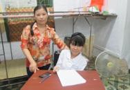 Nữ sinh ngồi xe lăn từng khóc để… xin đi học