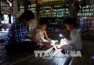 Tuyên Quang: 20 năm sống không điện, không đường giữa lòng thành phố