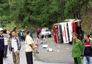 Liên tiếp những vụ xe khách gặp sự cố nghiêm trọng: Cần mở đợt sát hạch bổ sung cho tài xế