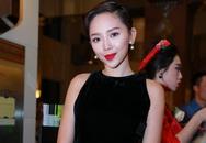 Tóc Tiên sánh đôi Hoàng Touliver đến đám cưới ca sĩ Nhật Thu