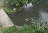 Đau đớn vớt xác con 2 tuổi đuối nước ngay trước cổng nhà