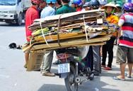 Tránh xe máy chở phế liệu, thanh niên bị xe tải chèn qua người