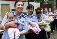 8 bé được giải cứu khỏi ổ buôn người mong chờ cha, mẹ