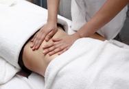 """Thực hư phương pháp massage tinh dầu làm giảm mỡ bụng mà chị em """"cả tin"""""""