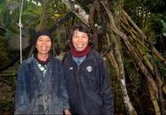 """Cuộc sống kỳ lạ của 2 chị em """"người rừng"""" giữa """"ốc đảo"""" hoang vắng"""