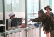 Người dân bãi rác Đông Thạnh (TPHCM) được khám sức khỏe miễn phí