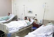 Hà Nội: Co giật, nhập viện khẩn cấp vì ăn bánh mì kẹp thịt