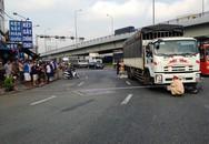 Cô gái điều khiển xe máy bị ôtô tải rẽ phải cán tử vong