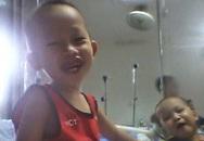 Nụ cười đã nở trên môi cháu bé không có tiền phẫu thuật cắt lách