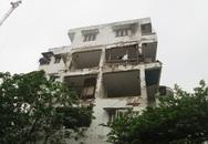 """Dân liều mình sống """"chui"""" trong nhà tập thể sắp sập: Ban quản lý tòa nhà nói gì?"""
