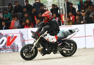 """""""Choáng"""" với những màn làm xiếc trên mô tô của các biker Việt"""