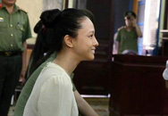 Hoa hậu Phương Nga mặt mộc kêu oan tại tòa