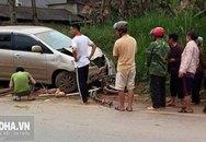 Ô tô cuốn xe máy vào gầm, 2 cháu nhỏ tử vong tại chỗ