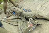 Cố nhặt chai nhựa phế liệu, cụ ông bị mắc kẹt dưới bùn suốt đêm