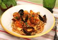 Làm mì spaghetti hải sản nhanh chóng trong 30 phút