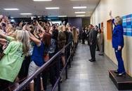 """Người phụ nữ quyền lực lạc lõng giữa """"thảm họa selfie"""""""