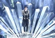20 bộ đồ lấp lánh cầu kỳ của Mr. Đàm trong 'Diamond show'