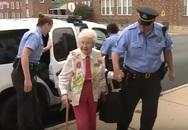 Cụ bà 102 tuổi ước mơ được cảnh sát còng tay