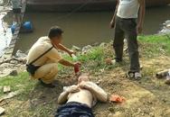 CSGT bơi xuồng cứu người vùng vẫy giữa sông Hồng