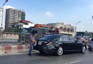 Xe khách tông móp đuối xế hộp Mercedes S500