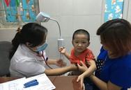 Bệnh hô hấp ở trẻ em tăng cao, bệnh viện lo quá tải