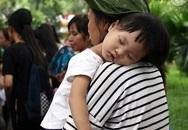 Công viên Thủ Lệ đông như kiến, trẻ nhỏ mệt nhoài vì chen chúc đi chơi dịp lễ 2/9