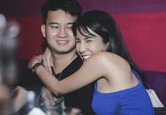 Diệp Lâm Anh quấn quýt bạn trai trong tiệc sinh nhật