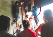 """Bé gái 12 tuổi chết thảm vì bị cửa cuốn """"nuốt"""" trọn khi đang say ngủ"""