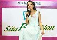 Hoa hậu Thu Thảo rơi nước mắt với tiết mục của thí sinh HHVN