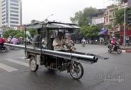 Vụ bé trai bị tôn cứa cổ: Xe hung thần chở sắt khắp Hà Nội