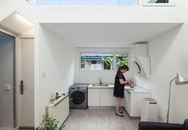 Sự gọn gàng, tinh tế khiến ngôi nhà đơn giản này nổi bật giữa khu phố cổ